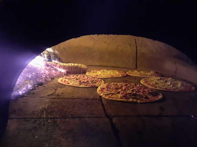 pizza du village villeneuve-Loubet